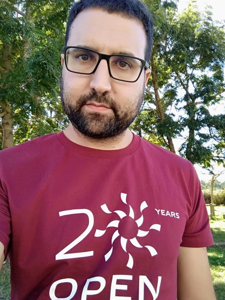 Myself with the Igalia 20th anniversary t-shirt